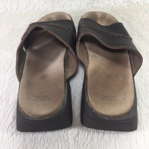 American Eagle Outfitters Shoes - American Eagle Womens Size 8 Sandals Brown EUC